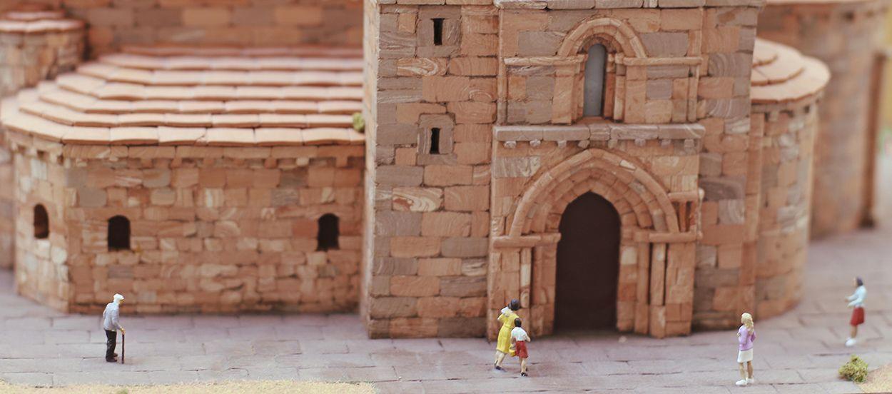 Exposición de maquetas de iglesias de Álava (Estíbaliz)