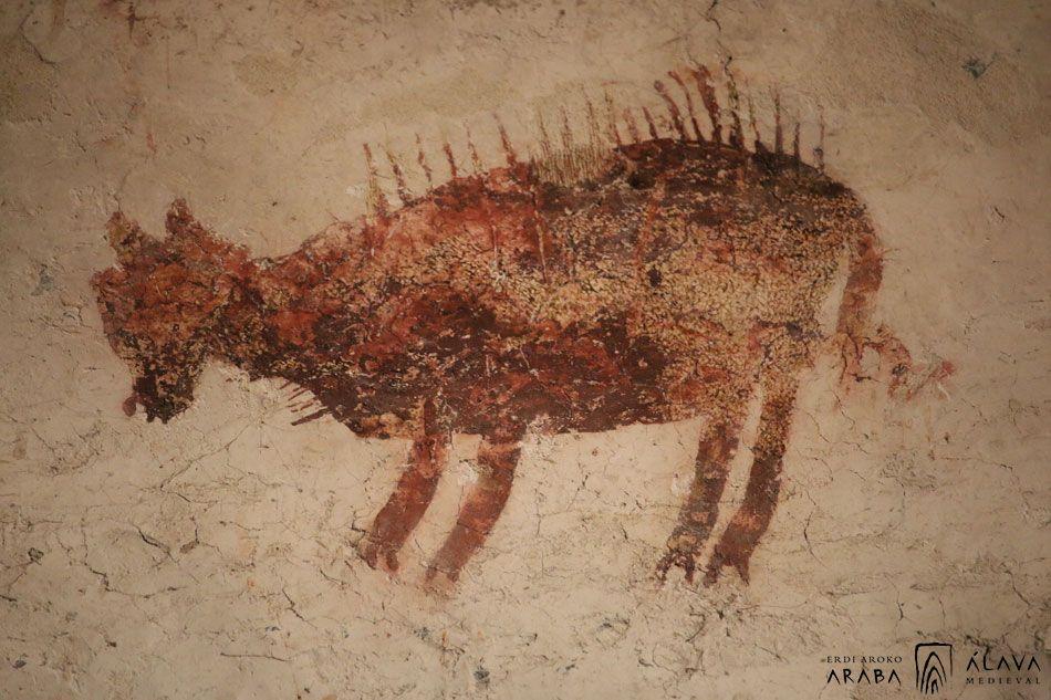 Las misteriosas pinturas rojas de la iglesia de Arbulo