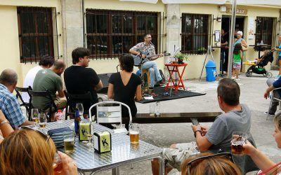 Fiesta del 2º aniversario de Álava Medieval / Erdi Aroko Araba y el bar Pater