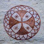 Vídeo de Irati Aguirre «Las cruces de consagración en las iglesias románicas de Álava»