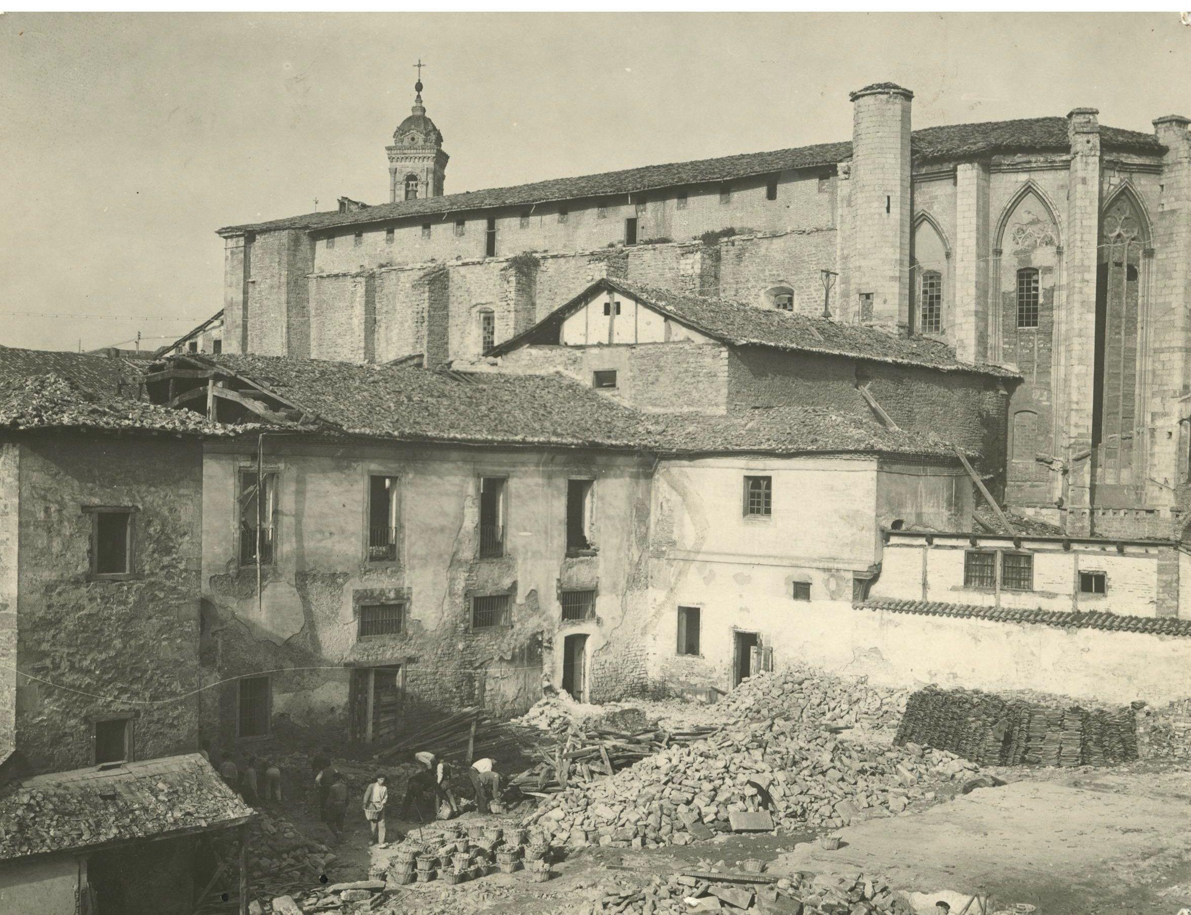 """Ciclo de conferencias """"Historia y declive del convento de San Francisco de Vitoria"""""""