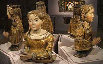 El paso de los bustos-relicario de las Once mil Vírgenes por el convento de San Francisco