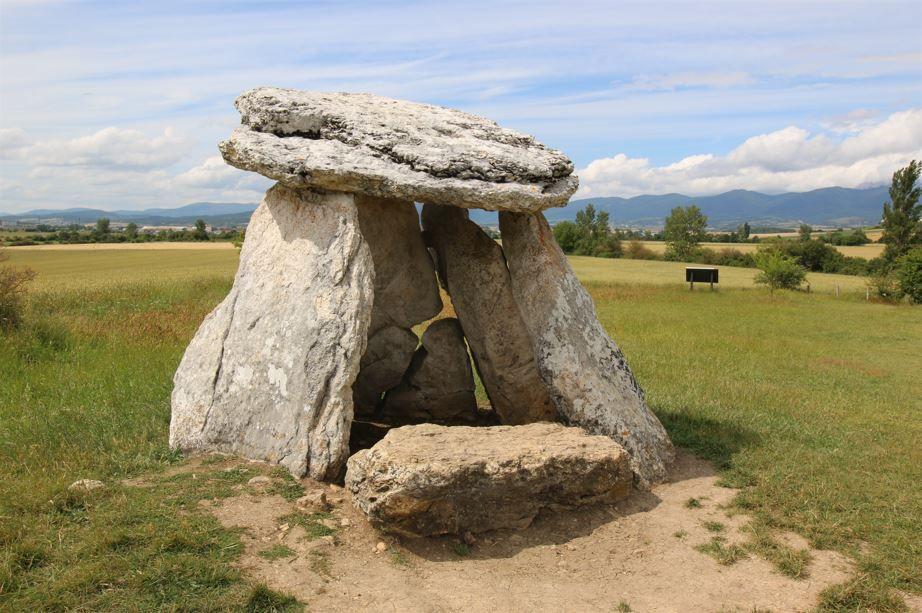 Excursión «Los dólmenes de Sorginetxe y Aizkomendi. Entre la arqueología y la leyenda» (domingo 26 de septiembre)